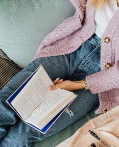 Lee más sobre el artículo Cómo adquirir buenos hábitos de lectura: 6 consejos fáciles